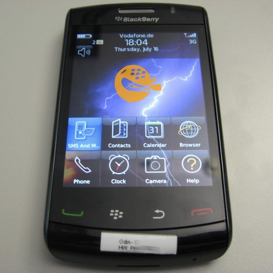 blackberry-storm-2-9520-4