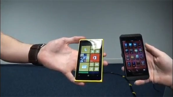 Lumia 920 a confronto con il blackberry Z10