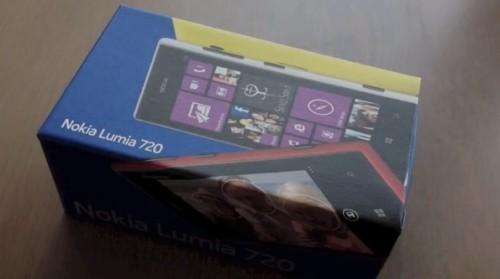 unboxing nokia lumia 720 video e dettagli sul nuovo smartphone windows phone 8