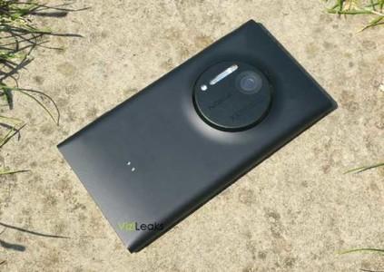 Nokia lumia 909 caratteristiche