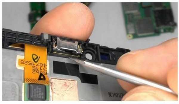 Smontare e rimontare il Nokia Lumia 720 video guida passo passo