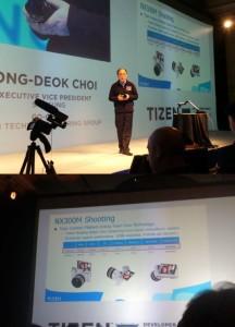 NX300M primo prodotto di Samsung con Tizen