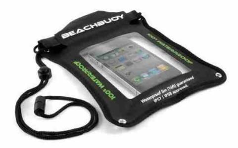 Proteggere telefonino da acqua e sabbia al mare, in barca, sotto la pioggia