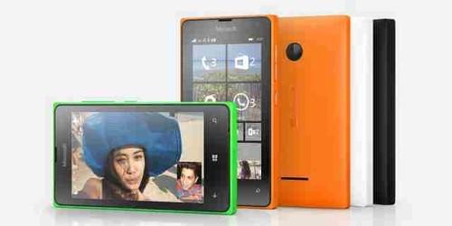 Lumia 435 Come inserire la scheda telefonica e la MicroSD