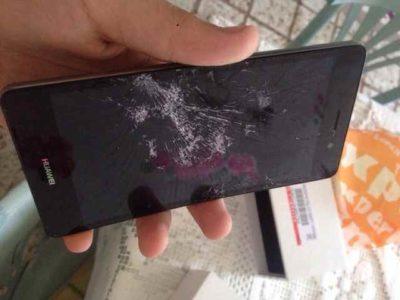 Huawei P9 quanto costa sostituire il vetro rotto sullo smartphone
