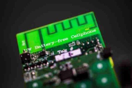 Telefono senza batteria ricarica onde radio