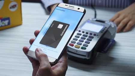 Scopriamo come si usa Sasmung Pay quando in Italia e se Sasmung Pay con Fineco compatibile o se Sasmung Pay Unicredit funziona bene