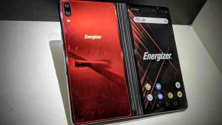 Smartphone pieghevole Energizer Power Max P8100S